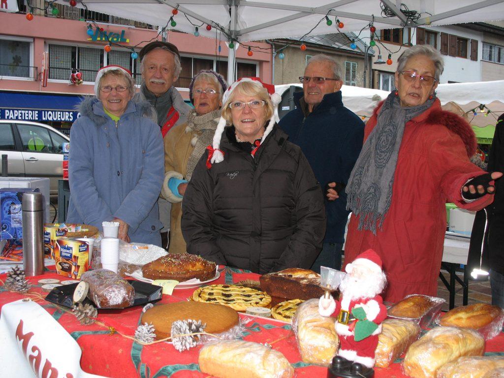 L'équipe en charge de la vente des crêpes, gâteaux..